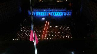 El homenaje a los más de 36.000 fallecidos fue anunciado frente al Palacio de la Moneda
