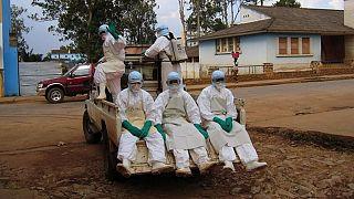 کارکنان بهداشتی در آفریقا