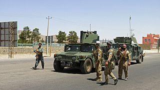 Afganistan'ın batısında bulunan Herat şehrinde görev yapan Afgan kolluk ekipleri.