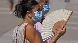 Las temperaturas empiezan a subir en el inicio de una ola de calor en España que durará hasta el lunes.
