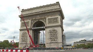 El monumento icónico de París será envuelto en 25 000 metros cuadrados de tela reciclada.