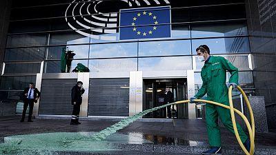 """""""L'Europe finance des exploitants qui détruisent les forêts"""" accuse Greenpeace"""