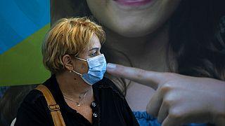 Nos países da União Europeia, o objetivo é ter 70% da população vacuinada em setembro