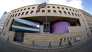 Oroszországnak kémkedő brit követségi alkalmazottat vettek őrizetbe Berlinben
