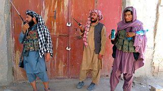 نیروهای طالبان در شهر مرکز ولایت فراه در شرق افغانستان که با ایران مرز مشترک دارد