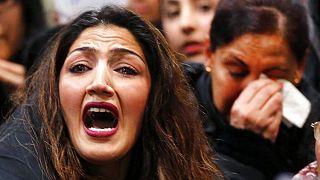 Almanya'da Afganların sınır dışı edilmesini protesto eden bir kişi