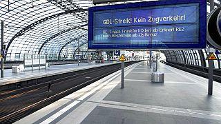 Leerer Bahnsteig in Berlin, 12.08.2021