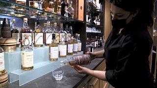 Destilaria escocesa usa restos de whisky como combustível para a frota