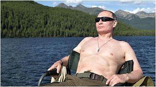 الرئيس الروسي، فلاديمير بوتين أثناء عطلة صيفية له في سيبيريا