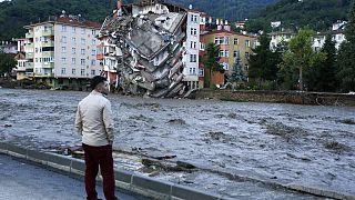 Καταστροφές στην Κασταμονή