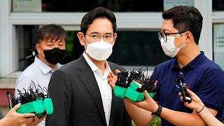Samsung Electronics Vice Chairman Lee Jae-yong walks outside of a detention center