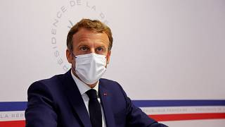 يترأس الرئيس الفرنسي إيمانويل ماكرون مجلس الدفاع الصحي في مقر الإقامة الصيفي الرئاسي بفورت دي بريغانكون في بورم ليس ميموزا، 11 أغسطس 2021