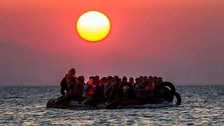 قایق حامل پناهجویان
