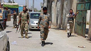 Talibãs apertam o cerco a Cabul e capturam mais uma cidade a norte