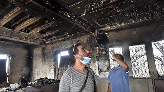 شاهد: جهود رجال الإطفاء والمتطوعين تتواصل لإخماد حرائق منطقة القبائل في الجزائر