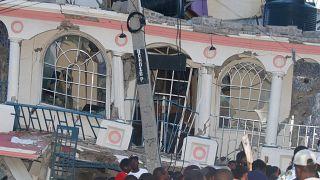 Le bilan humain du séisme en Haïti s'alourdit à 724 morts et des centaines de disparus