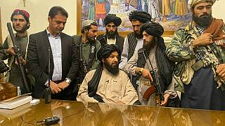 Talibãs no Palácio Presidencial de Cabul