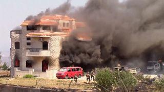 حمله لبنانیهای خشمگین به خانهای که تصور میشد متعلق به صاحب انبار منفجر شده است