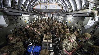 Las fuerzas británicas llegan a la capital afgana de Kabul para ayudar a evacuar a sus conciudadanos. Foto enviada el 15 de agosto de 2021.