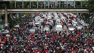 Manifestantes regressam às ruas na Tailândia