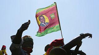Una bandiera dello Zambia con l'effige del neo-presidente Hichilema.