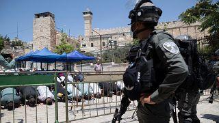 13 Ağustos Cuma günü Batı Şeria'da İbrahim Camii'ndeki cuma namazı sonrası beklenen protestolar için İsrail polisi güvenlik önlemleri aldı