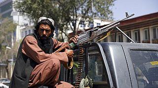 Tálib fegyveres Kabulban