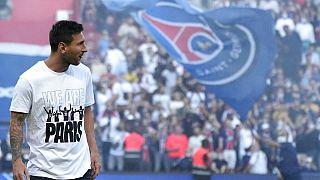 Lionel Messi, del PSG, durante la presentación de los jugadores antes del partido de fútbol de la liga francesa entre el París Saint Germain y el Estrasburgo