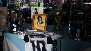 """تريد شركة """"أديداس"""" الألمانية تقديم نسخة مجانية من قميص الفريق السابق لمارادونا بوكا جونيورز إلى الأشخاص الذين يحملون اسم """"دييغو أرماندو"""" وولدوا في 1981"""