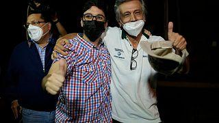 Freddy Guevara und sein Vater kurz nach der Entlassung