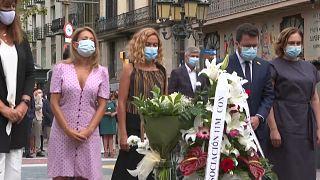 Autoridades políticas catalanas durante la ceremonia de homenaje a las víctimas del 17A