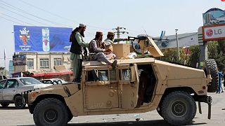 نیروهای طالبان در فرودگاه حامد کرزی کابل