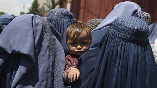Афганские женщины в чадрах