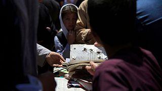 بقایای بمبگذاری ۹ مه ۲۰۲۱ در مدرسه دخترانه در غرب کابل