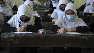 Studentesse in una scuola di Herat, 17 agosto 2021