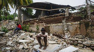Hospital destruído por terramoto no Haiti