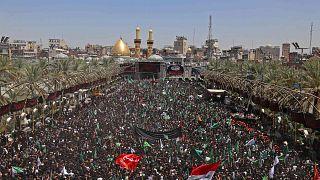 خلال للاحتفال بيوم عاشوراء عند ضريح الإمام الحسين في مدينة كربلاء المقدسة بالعراق، 19 أغسطس 2021