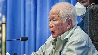 Kızıl Kmerler'in hayatta kalan son yöneticisi Khieu Samphan, 2018'de ömür boyu hapis cezasına çarptırılmıştı.