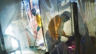 Ebola: Guinea, Ivory Coast scramble to vaccinate, isolate contacts
