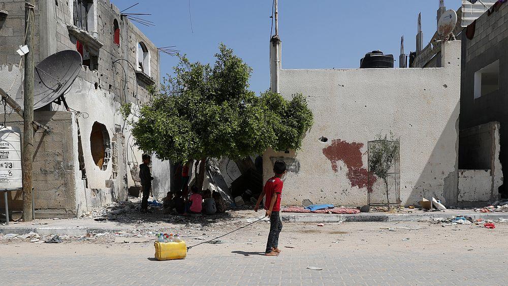 Izrael beengedi a katari segélyt Gázába