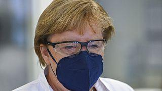Angela Merkel im BIoNTech-Werk in Marburg