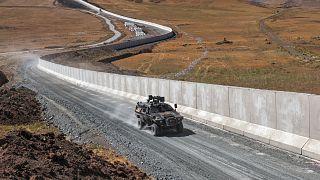 Turkey builds a wall along the Iranian border