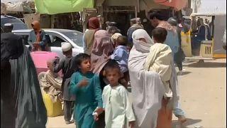 Este viernes continuó la salida de familias completas a Pakistán través del paso fronterizo de Wesh-Chaman