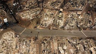 """Nordkalifornien: """"Cache""""-Feuer verwüstet Mobil Home Park in Clearlake"""