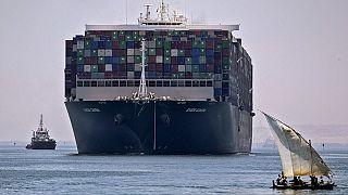 """Archives : le porte-conteneur MV """"Ever Given"""" près du Canal de Suez (Egypte), le 07/07/2021."""