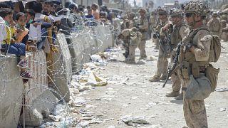 جنود مارينز من وحدة خاصة تابعة للقيادة المركزية الوسطى الأميركية في مطار حامد كرزاي بالعاصمة الأفغانية كابول. 20/08/2021