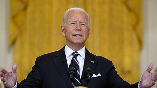 Az amerikai elnök sajtótájékoztatója a washingtoni Fehér Ház keleti termében