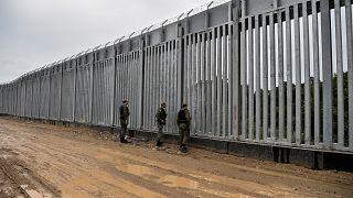 Yunanistan, Türkiye sınırına duvar ördü