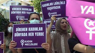 Διαδήλωση στην Κωνσταντινούπολη για τα δικαιώματα των γυναικών του Αφγανιστάν