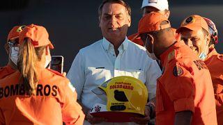 Jair Bolsonaro com os bombeiros